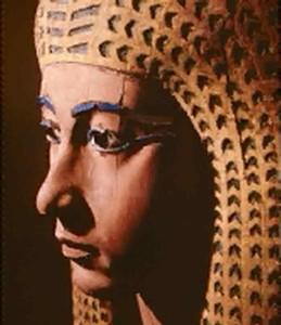 Ahmose I  sønn av Seqenenre startet israelittens slaveri.